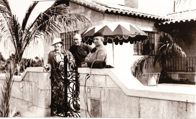 Hermann and Hertha Kohl with a guest at Villa am Meer